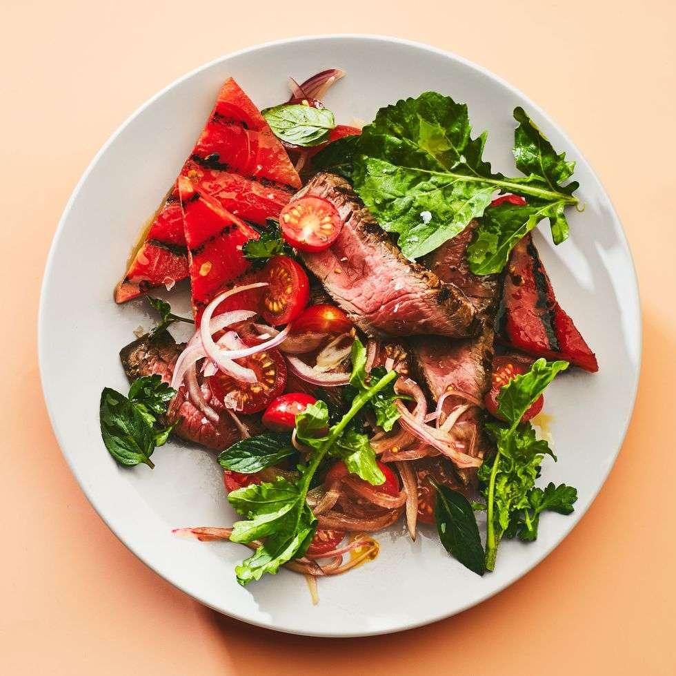 2. Salada de Melancia + Bife Grelhado