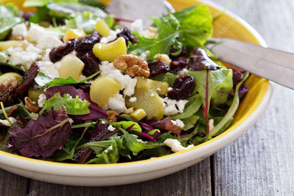 6. Salada de ruibarbo e citrinos com vinagrete de pimenta preta