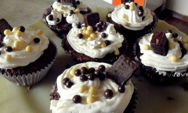 Cupcake de Chocolate Delicioso e fácil de Fazer em casa