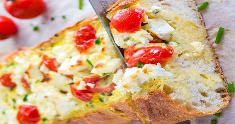 Receita de Pão de alho com tomate