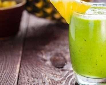Receita de Suco Detox de Abacaxi com Erva Cidreira