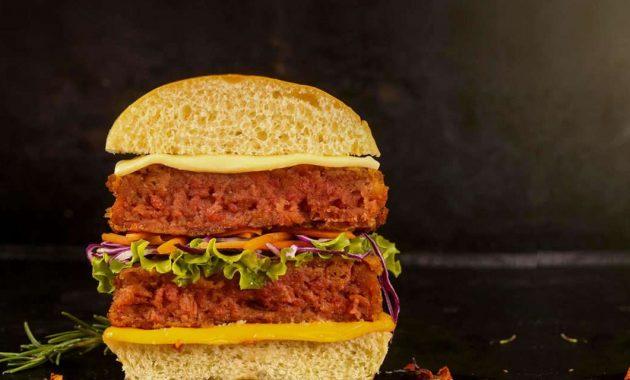 Receita de lanche rápido com hambúrguer vegano gourmet