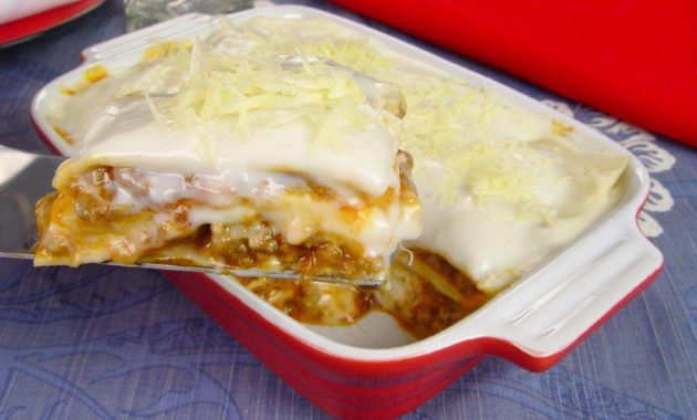 Receita de lasanha de carne moida com molho branco