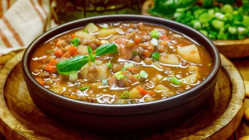 Sopa de legumes com lentilha