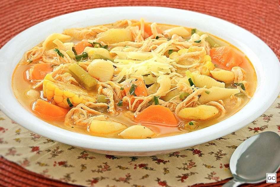 Sopa de legumes com macarrão Fácil de Fazer