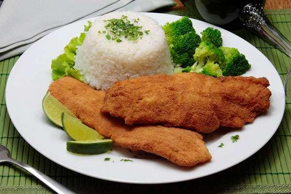 Almoço Rápido com Filé de peixe empanado
