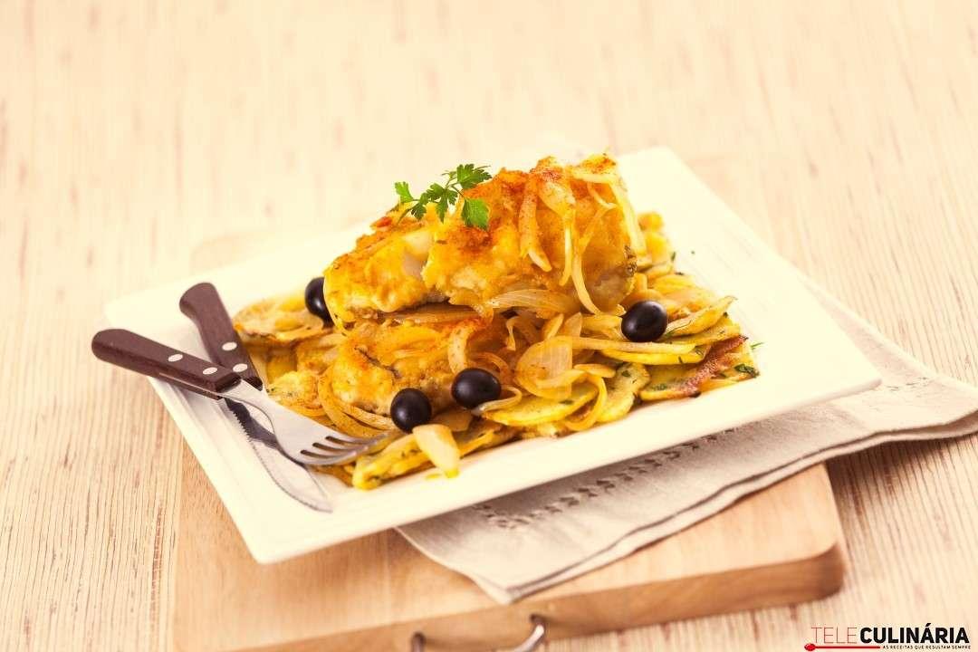 Almoço Rápido de Bacalhau frito com batatas salteadas