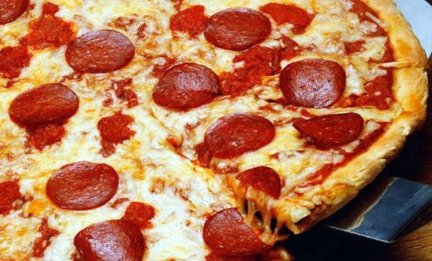 Receita de Pizza de Pepperoni Fácil
