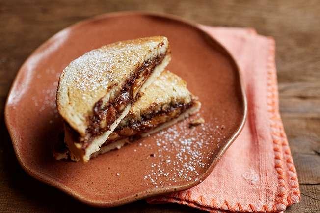 Receita de Tostex de banana com creme de avelã e chocolate