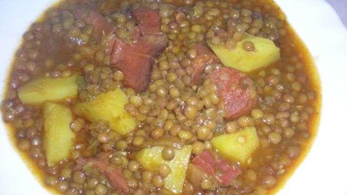 Lentilha com linguiça (receita espanhola)