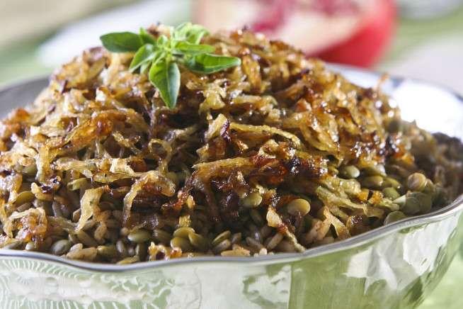 Receita de Arroz com lentilhas e cebolas douradas