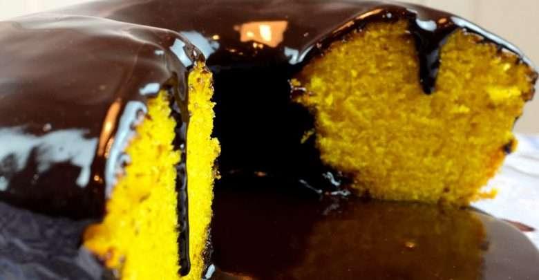 Receita de Bolo de Cenoura com Calda de Chocolate
