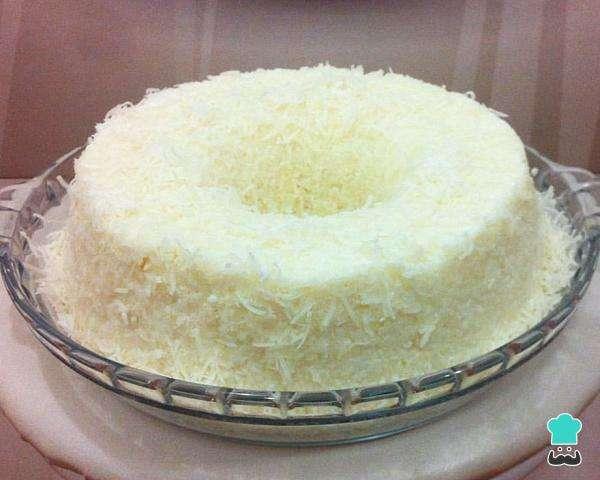 Receita de Bolo de tapioca gelado com leite condensado