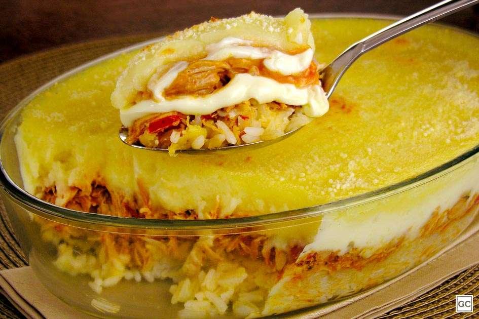 Receita de Escondidinho de arroz, frango e batata para Almoço Rápido