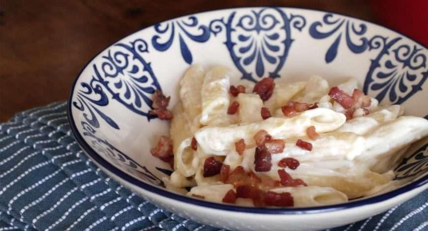 Receita de Macarrão com requeijão e bacon