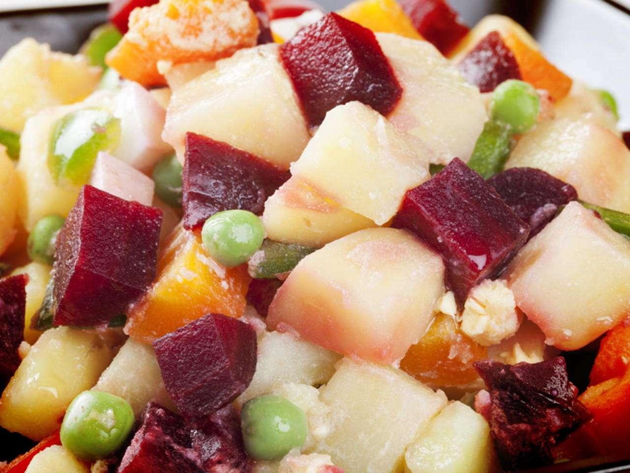 Receita de Salada de Beterraba, Pera, Batata, Cenoura e Ervilha