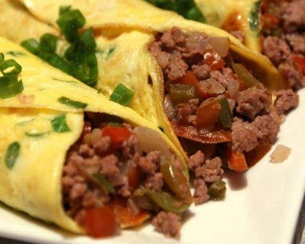 Receita de omelete low carb com carne moída