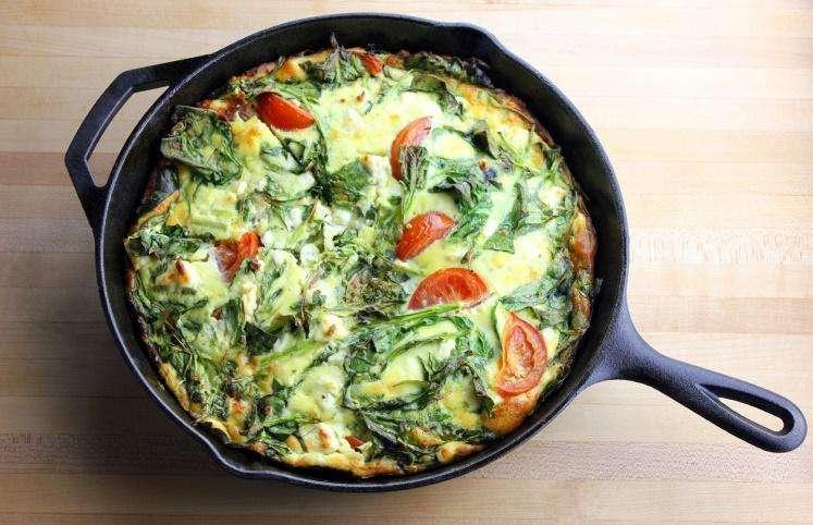 Receita de omelete low carb com espinafre