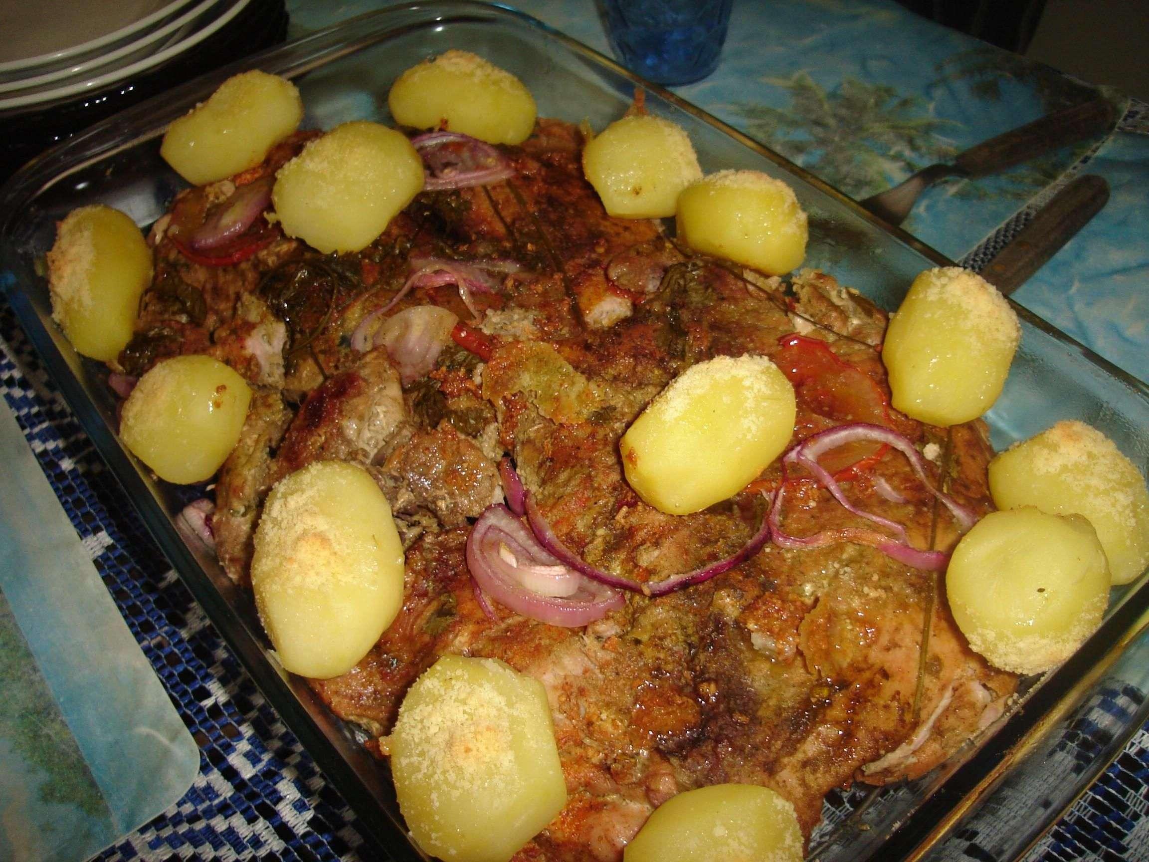 Receita de Atum ao forno com batatas gratinadas