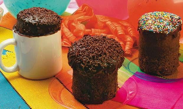 Receita de Bolo de chocolate na caneca Mais Você