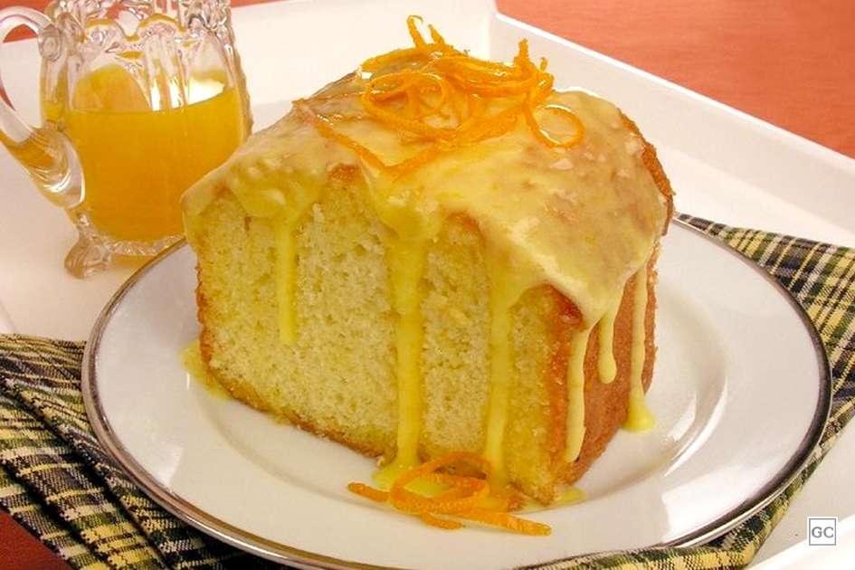 Receita de Bolo de laranja molhadinho com Calda