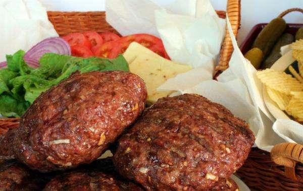 Receita de Hambúrguer de Carne Moída caseiro simples