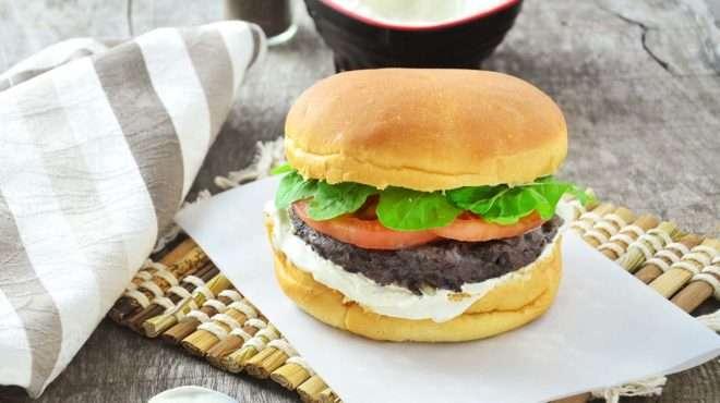 Receita de Hambúrguer de feijão Vegano
