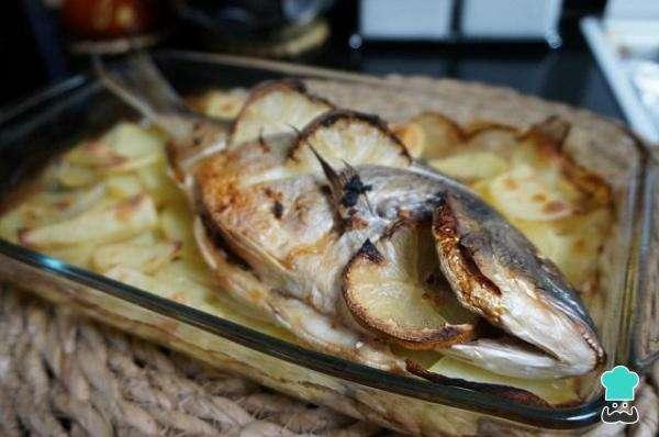 Receita de Peixe assado com batatas Simples