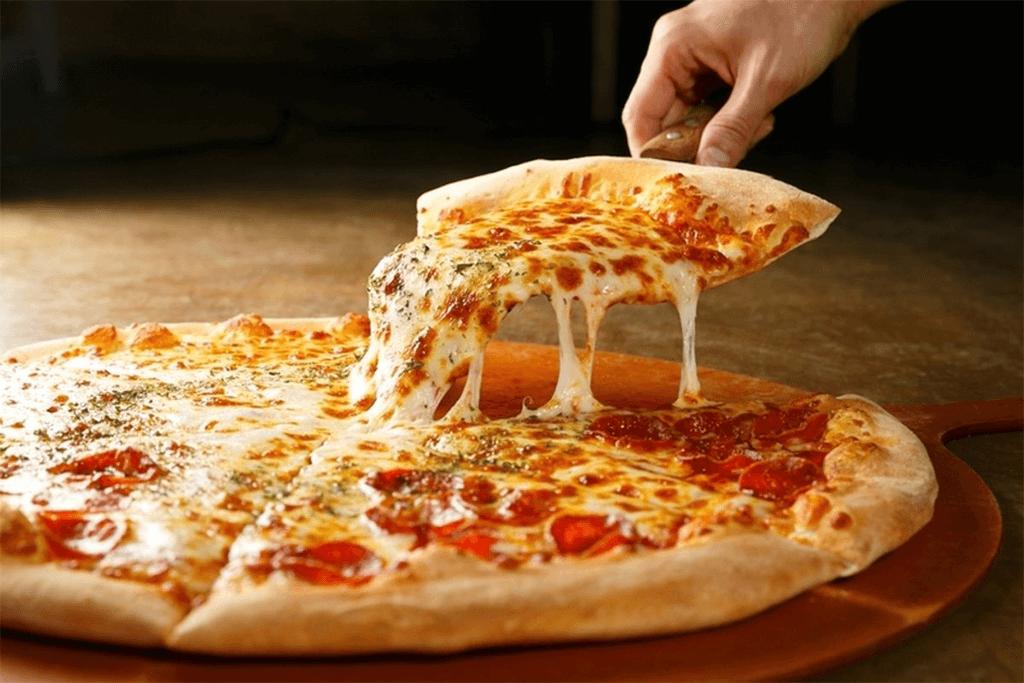 Receita de Pizza de Linguiça Toscana e calabresa