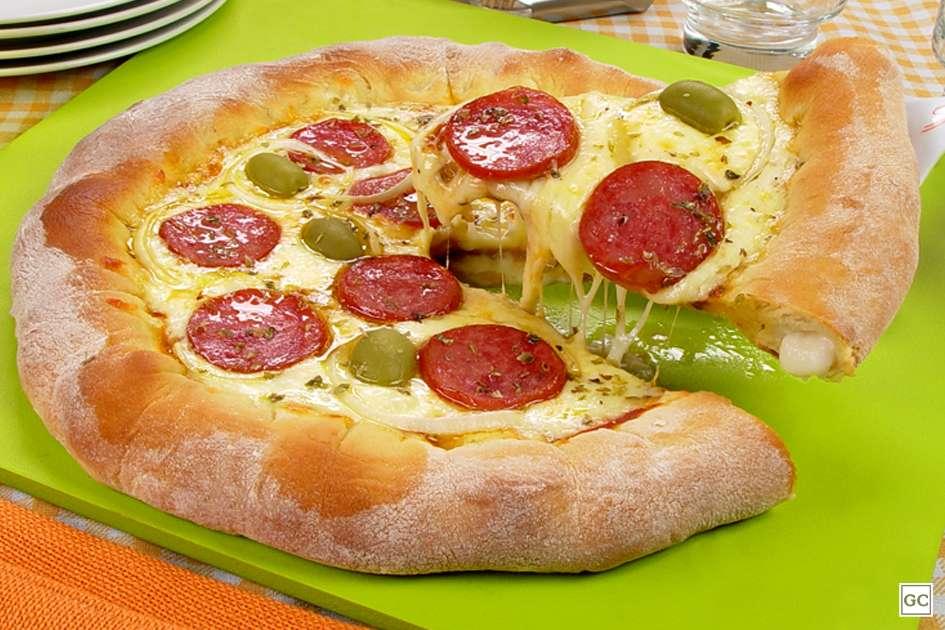Receita de Pizza de calabresa de Liquidificador Crocante
