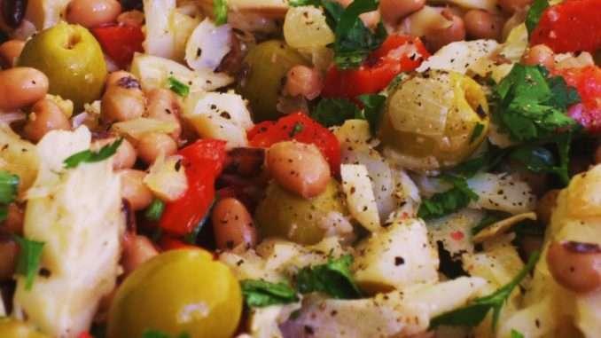 Receita de Salada de Feijão Frade com Bacalhau