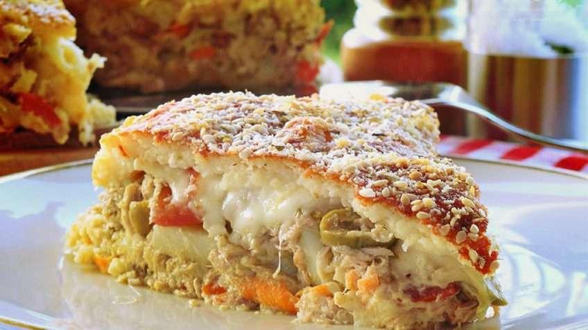 Receita de Torta de liquidificador com recheio de frango e cenoura