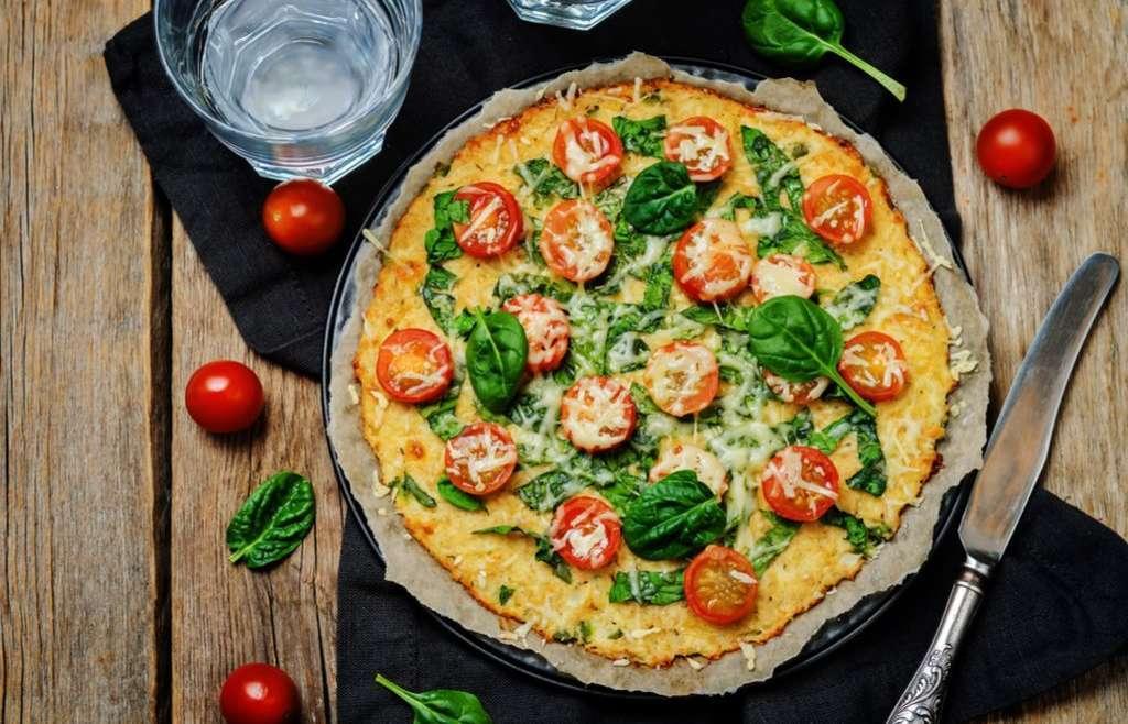 Receita de pizza de frigideira Low Carb Diferente