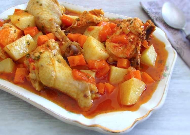 Receita de Frango estufado com batatas e cenouras