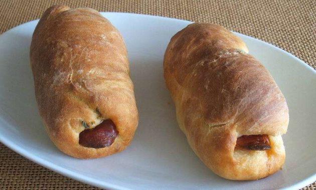Receita de Pão com chouriço Português