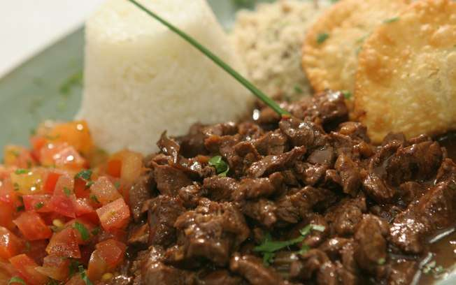 Receita de Picadinho de Carne Completo