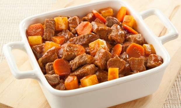 Receita de Picadinho de Carne com Batatas e Cenoura
