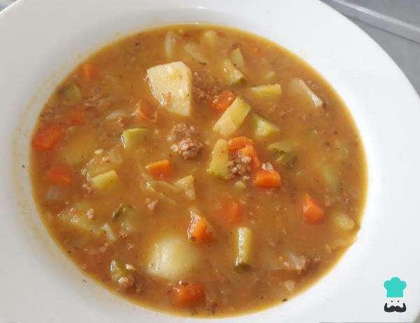 Receita de Sopa de legumes com carne moída