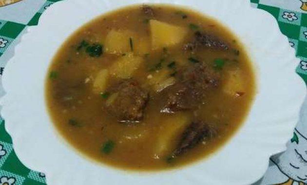 Receita de Sopa de mandioca com carne Saborosa