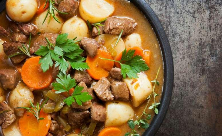 Receita de Sopa de mandioca e carne