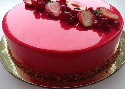 Receita de Torta de Morango Espelhada
