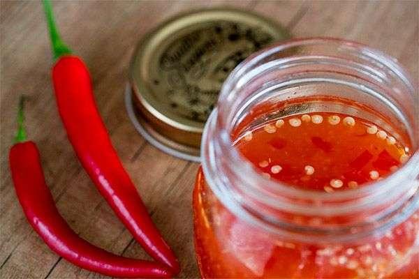 Receita de molho de pimenta vermelha da Vovô