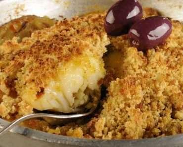 Receita de Bacalhau assado com cobertura de broa de milho