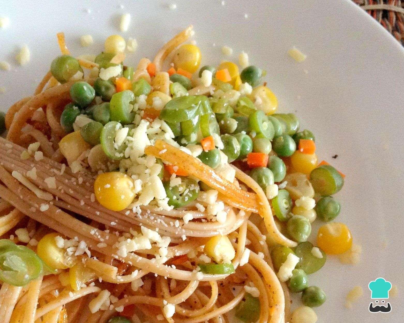 Receita de Macarrão com seleta de legumes