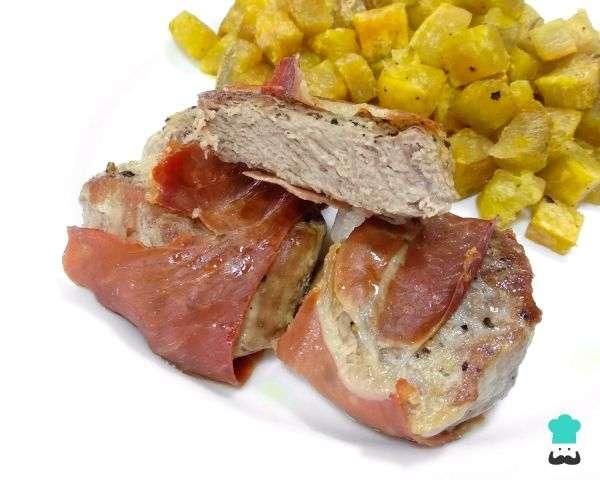 Receita de Medalhão de porco com bacon assado