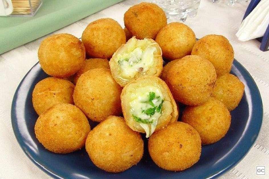 Receita de Bolinha de queijo com ervas