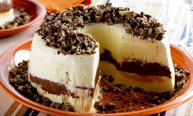 Receita de Bolo de sorvete com brigadeiro