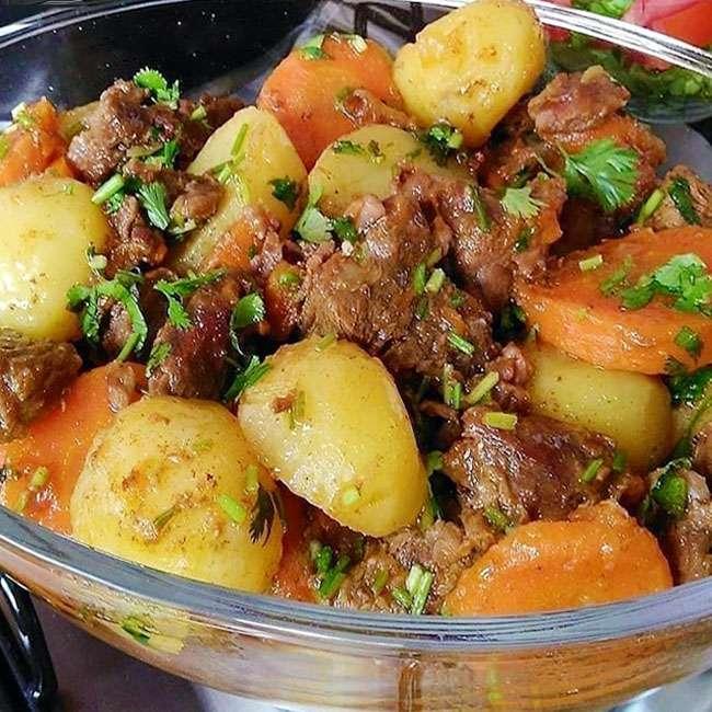 Receita de Carne de Panela com Batata e Cenoura