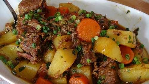 Receita de Carne de panela com legumes