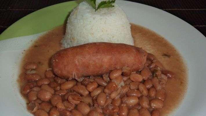 Receita de Feijão Carioca com Chouriço muito Gostoso